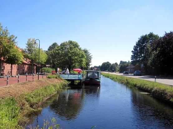Pfannkuchenschiff auf Kanal