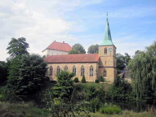 Schney: Kirche und Schloss