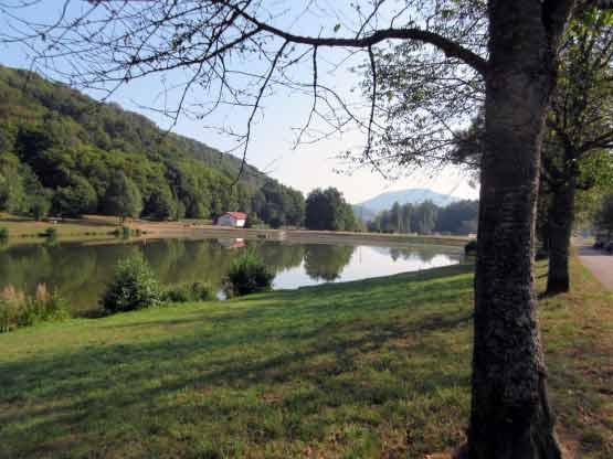 Der Silzer See mit Anglerhütte