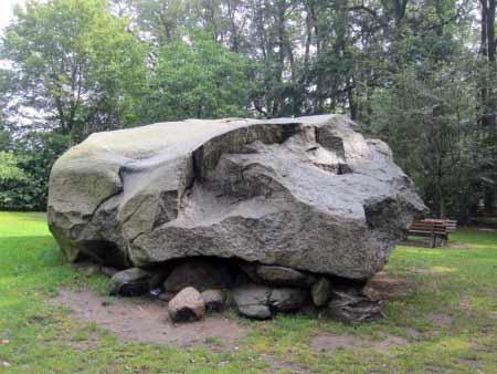 Tonneheide großer Stein
