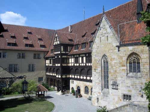 Der Innenhof der Festung mit Museum