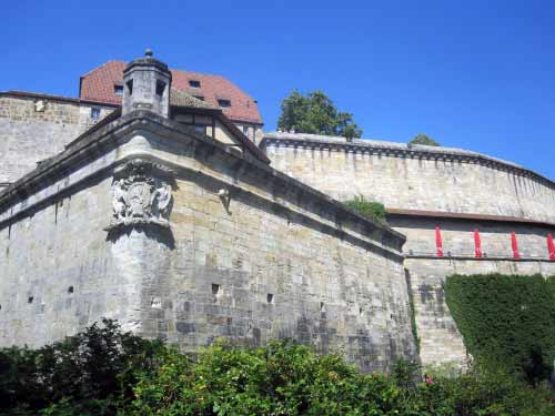 Die Burg rückt näher