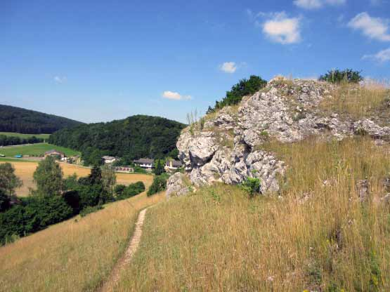 Wandern - Bergpfad - Burgstall
