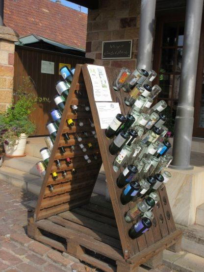 Musterausstellung Weinflaschen