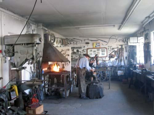 Alte sehenswerte Werkstatt in der Hölle